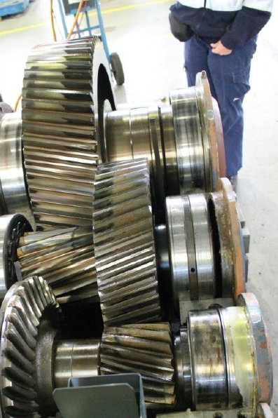The Importance of Bearing Selection on Gearbox Performance - BEARING
